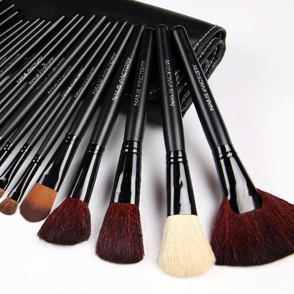 Make-Up Pinsel Set 24teilig, Griff Schwarz GRATIS Etui Schwarz, Echthaar, Kosmetik